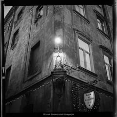 Point. Lviv. Old City. (smokanalog.pl) Tags: bnw blackandwhite blackandwhitephotography architecture lviv ukraine analogphotography analogue analog ilfordfilm fp4plus mediumformat 120mm