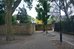 London_0463 (O En) Tags: london thames dog island river