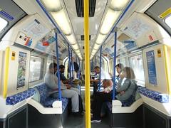 201909121 London subway (taigatrommelchen) Tags: 20190936 uk london icon urban city railway railroad mass transit subway train onboard