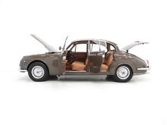 1969 Daimler 250 V8 (KGF Classic Cars) Tags: kgfclassiccars daimler jaguar 250 v8 mk2 type s su fifteen dr450 ds420 coventry autocar borgwarner automatic saloon luxury lucas bmc rover