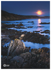 Moon Rock (picturedevon.co.uk) Tags: cornwall england uk seascape night le moon harvestmoon fullmoon friday13th sonya7rii color blue orange stars sky sea water light rock coast portwrinkle