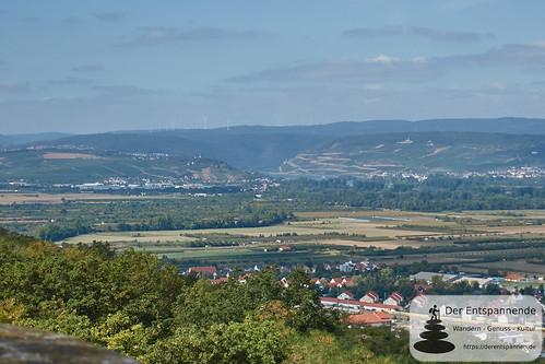 Bismarckturm Ingelheim: Blick nach Bingen und zum Mittelrhein