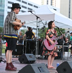 0B6A1070 (Bill Jacomet) Tags: unplugged houston htx discovery green downtown park concert tx texas 2019 outdoor outside music venue live
