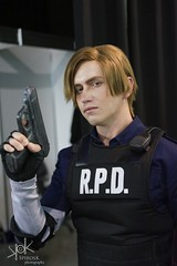 Aniventure Comic-Con 2019: Day 1 portraits: Leon Kennedy by Narga&Aoki (SpirosK photography) Tags: sofia bulgaria σόφια βουλγαρία expo cosplay costumeplay aniventure comiccon aniventurecomiccon aniventurecomiccon2019 portrait leonkennedy narga aoki nargaaoki residentevil residentevil2 biohazard game videogame videogamecharacter
