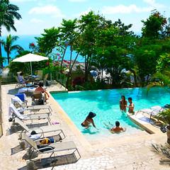 POOL REFRESHING (hotellamariposa) Tags: hotellamariposa quepos lamariposa costarica puravida manuelantonio visitcostarica travelagency lamariposahotel travelustcouples manuelantonionationalpark