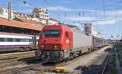 5616 Lisbon Santa Apolonia 10/09/2019 (Waddo's World of Railways) Tags: portugal lisbon santaapolonia lisbonsantaapolonia rail railway train dmu cp 5616 loco locomotive class5600 cp5616