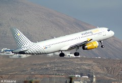 VUELING A320 EC-LRY (Adrian.Kissane) Tags: takeoff aviation flight flying departing mountain sky outdoors airliner airline jet plane aeroplane aircraft airbus 1862 992017 a320 eclry lanzarote vueling