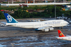 AIR NEW ZEALAND B747-400 ZK-SUH 010R (A.S. Kevin N.V.M.M. Chung) Tags: aviation aircraft aeroplane airport airlines airnewzealand boeing b747400 b747 jumbo jet queen plane spotting mfm macauinternationalairport apron ramp macau