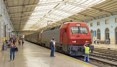 5616 Lisbon Santa Apolonia 10/09/2019 (Waddo's World of Railways) Tags: portugal lisbon santaapolonia lisbonsantaapolonia rail railway train dmu cp 5616 loco locomotive class5600 cp5616 station