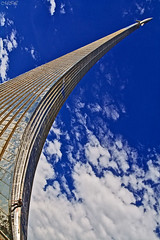 _MG_2222 (Mikhail Lukyanov) Tags: russia moscow city street architecture monument monumenttotheconquerorsofspace man boy scrambles climbs