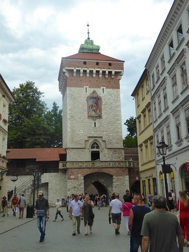 Krakow: Floriamska Gate on Florianska street to Pijarska street
