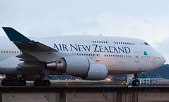 AIR NEW ZEALAND B747-400 ZK-SUH 005R (A.S. Kevin N.V.M.M. Chung) Tags: aviation aircraft aeroplane airport airlines airnewzealand boeing b747400 b747 jumbo jet queen plane spotting mfm macauinternationalairport taxiway taxiing macau closeup engine