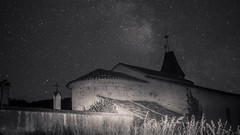 Lunga esposizione (gabriel.bernard36) Tags: black white church night nightphotography stars sky light dark moody canon
