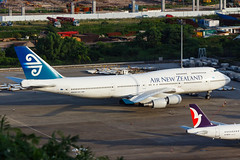 AIR NEW ZEALAND B747-400 ZK-SUH 0081R (A.S. Kevin N.V.M.M. Chung) Tags: aviation aircraft aeroplane airport airlines airnewzealand boeing b747400 b747 jumbo jet queen plane spotting mfm macauinternationalairport apron ramp macau