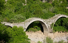 Bridge of Plakidas, near Kipi, Zagori, Greece (Miche & Jon Rousell) Tags: greece zagori mountains pindos pindosmountains timfi vikos vikosgorge gorge vitsa koukouli elafotopos bridge plakidasbridge kipi