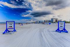 Car Beach (mysterious-man) Tags: daytona beach satrand blue blau autos weiser sand schild usa ostküste himmel wolken clouds sky