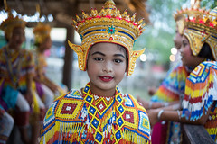 L1009770-1 (nae2409) Tags: girl manora dancing traditional costume thailand phatthalung leica m10 35mm summilux