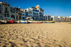 El rincón de los pescadores (SantiMB.Photos) Tags: 2blog 2tumblr 2ig laselva invierno winter playa beach costabrava motog3 móvil phone arena sand barcas boats geo:lat=4167100892 geo:lon=279061806 geotagged blanes cataluna españa