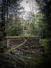 Mobilbilder, sept -19 (ferm93) Tags: öde övergivet abandoned bunker