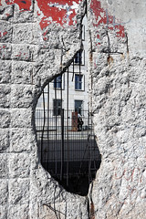Niederkirchnerstraße (chris.branruz) Tags: mauer wall hole concrete béton mur bunker berlin decay ww2