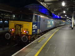 DRS 57306 @ London Paddington (Sim0nTrains Photos) Tags: londonpaddington londonpaddingtonrailwaystation londonpaddingtontrainstation londonpaddingtonstation greatwesternmainline 57306hermajestysrailwayinspectorate 57306 class57 drs directrailservices drsclass57 class573 directrailservicesclass57 diesellocomotive britishrailclass57 brcreweworks brushtraction