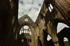 Ruined Abbey of Tintern (CoasterMadMatt) Tags: abatytyndern2019 abatytintern2019 tinternabbey2019 abatytyndern abatytintern tinternabbey abaty tyndern tintern abbey cistercianorder cistercianabbey tinternabbeyruins ruin ruins ruined cistercianabbeysinwales welshcistercianabbeys abbeychurch church monastery monasteries cadw welshhistory historyinwales history sirfynwy monmouthshire sir fynwy cymru wales greatbritain gb unitedkingdom uk europe july2019 summer2019 july summer 2019 coastermadmattphotography coastermadmatt photos photography photographs nikond3500