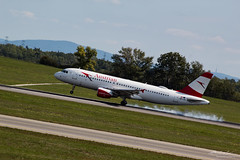 Austrian Airlines (Bartal_Photography) Tags: planes airplanes wien airport austrian austrianairlines