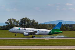 Level (Bartal_Photography) Tags: planes airplanes wien airport aircraft aviation airline airlines aeroplane airplane spotting avgeek spotter airliner airliners dslr plane transportation transport photography