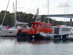 "SNS 219 ""Da Viken""  (MMSI: 227487390) Station de Sauvetage de Bénodet St Marine: AIS Vessel Type: SAR: Call Sign: FAE5454 (guyfogwill) Tags: guyfogwill guy fogwill france september septembre brittany bretagne finistère boats bénodet bateau boat brehec républiquefrançaise bateaux europe 29950 benoded 29 2019 bâteaux vacances cornouaille paysfouesnantais pennarbed flicker photo interesting absorbing engrossing fascinating riveting gripping compelling compulsive beach water coastline coastal da viken daviken"