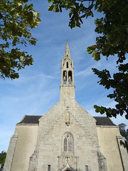 Bénodet (Brittany, France) 2019 (guyfogwill) Tags: guyfogwill guy fogwill france september septembre église brittany bretagne finistère boats bénodet bateau boat églisesaintthomasbecket brehec républiquefrançaise bateaux europe 29950 benoded 29 2019 bâteaux vacances cornouaille paysfouesnantais pennarbed flicker photo interesting absorbing engrossing fascinating riveting gripping compelling compulsive beach water coastline coastal