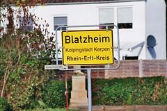 Das Foto spricht für sich!! 2014/2015 (wsamse) Tags: kolping kerpen blatzheim ortsschild rheinerft stadt schild verkehrsschild