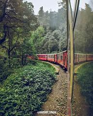 Heritage Train in Himachal Pradesh • • • • • • #toytrain#shimla#himachal#indianrailways#north#heritage#unescoworldheritage#unesco#curves#jungle#woods#forest#wanderer#explore#travel #Himalayas #Mountains #HimachalPradeshTravel #SoulMountain #SoulMountainEx (SoulMountainExpeditions) Tags: tourism india himachal pradesh mountains himalayas