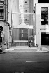 (li-penny) Tags: pentaxespiomini kodaktrix400 film taiwan taipei bw 底片 黑白 台灣 台北 street