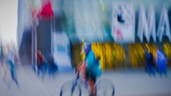 Hustle and bustle (Lea Ruiz Donoso) Tags: outoffocus focus city lights bokeh sunset bluehour ocaso 2019 sony calledeodonnell maternidad de odonnell madrid hospitales españa blue night cyclist bike ciudad luces foco fueradefoco handheld manual