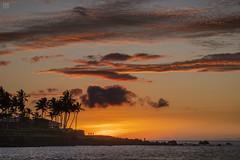 Sunset at Eva Parker Woods Cottage 1 (lycheng99) Tags: evaparkerwoodscottage sunset sunsetwatchers vacation holiday travel hawaii bigisland hawaiiisland sky colors clouds weather nature landscape ocean