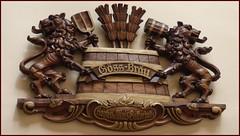 Hopfen und Malz, Gott erhalt's / Hops and malt, may the Lord preserve it (ursula.valtiner) Tags: holzschnitzerei woodcarving holz wood wappen crest leoben steiermark styria austria autriche österreich