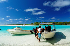 20190911-53-Boats at One Foot Island (Roger T Wong) Tags: 2019 aitutaki cookislands onefootisland pacific pacificisland rogertwong sel24105g sony24105 sonya7iii sonyalpha7iii sonyfe24105mmf4goss sonyilce7m3 tapuetai blue boat holiday isalnd lagoon people sand sea sky snorkel travel water white