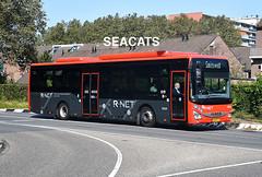 EBS Voorne-Putten Iveco Crossway LE CNG R-net bus lijn 105 onderweg naar Spijkenisse centrum (Seacats) Tags: ebs bus iveco rnet