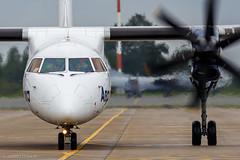 Aurora Airlines DHC-8-400 RA-67256 at Vladivostok International Airport (Andrei Efimkin) Tags: aurora auroraairlines dh4 dh8d dhc8 dhc8400 dhc8402q dash8 dehavillandcanada landing qseries q400 ra67256 uhww vvo vladivostok vladivostokinternationalairport авиакомпанияаврора аврора посадка