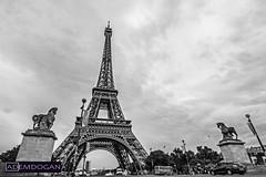 LA TOUR EIFFEL (01dgn) Tags: fransa france frankreich urban streetphotography travel city cityscape landschaft landscape manzara bw sw sb eyfelkulesi toureiffel latoureiffel wideangle weitwinkel canoneos700d paris panorama
