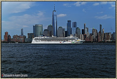 LA AVENTURA EN UN CRUCERO, ES LA AVENTURA REAL. CRUISE ADVENTURE IS THE REAL ADVENTURE. NEW YORK CITY. (ALBERTO CERVANTES PHOTOGRAPHY) Tags: cruise crucero manhattan usa nyc wtc freedomtower torre tower freedom water building river lake ocean sea travel adventure newyork city sky nubes clouds skyline skyscraper cityscapes landscapes wave barco boat ship waterfront streetphotography photography photoborder photoart art creative indoor outdoor blur luz light color colores colors brillo bright brightcolors colorlight retrato portrait reflejo reflection liner line sign writing antena antenna crusier fluvial