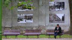 surrounded by history .. (buidl-lemmy) Tags: lithuania litauen park historicalpictures historischeaufnahmen bilder photos bench bank rest sitzen entspannen relax reading lesen