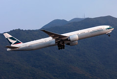 B-KQT Cathay Pacific B773 (twomphotos) Tags: plane aircraft spotting rwy25l departure vhhh hkg climbing out mountain backdrop evening light cathay pacific boeing b773