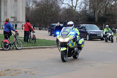 BMW R1200  and Range Rover of the Met Police Special Escort Group (Ian Press Photography) Tags: met police special escort group metropolitan seg armed protection range rover 4x4 suv car cars bmw r1200 bikes bike motorbike biker vip officer officers motorbiker motor cycle