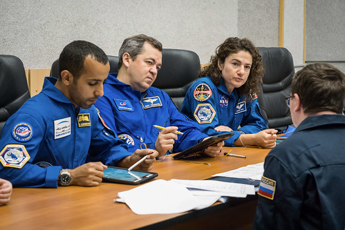Expedition 61 crew with spaceflight participant reviews flight plan