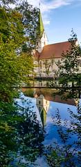 Klosterkirche am Blautopf (KaAuenwasser) Tags: spiegelung klosterkirche kloster blautopf blaubeuren wasser quelltopf quelle blau gespiegelt baum bäume gewässer 2019