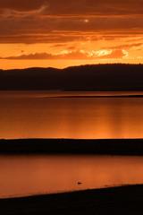 Heron Lake sunset 11Sep19 (johngpt) Tags: teleconverterxf14xtcwr fujinonxf100400mmf4556rlmoiswr sunset fujifilmxt1 heronlakestatepark lake water clouds