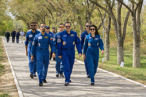 Prime and backup Expedition 61 crewmembers with spaceflight participants