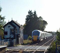 Old and New Together (Stuart Warr) Tags: iet greatwesternrailway gwr 1w32 1550 paddington moretininmarshclass 800