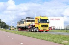 """Volvo FH540 8x4/4 trekker """"44-BLF-7"""" met Nooteboom 3-assige Pendel-X dieplader van Klomp Transport Zwolle met NSR 1717 op de opdieplader (daniel_de_vries01) Tags: nsr 1717 opdieplader van klomp volvo 44blf7 met op de fh540 8x44 trekker nooteboom 4assige pendelx dieplader transport zwolle"""